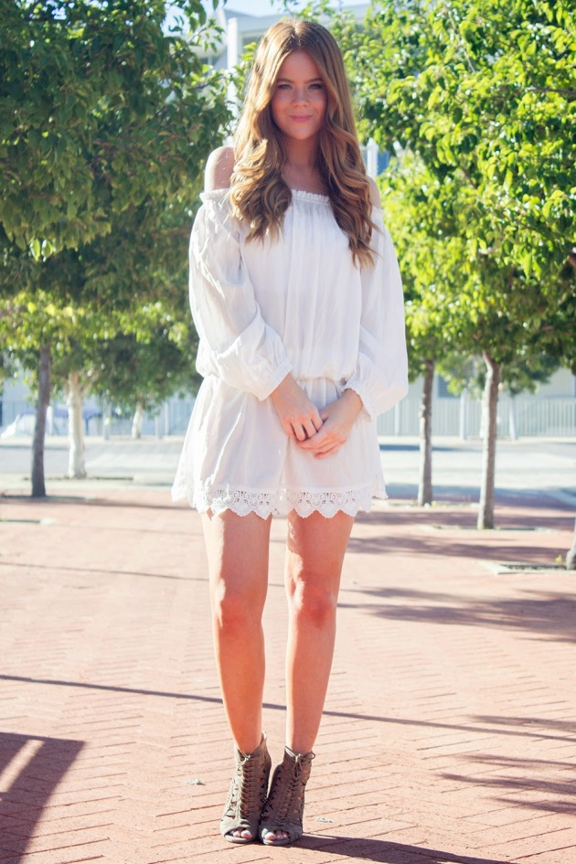 three-of-something-boho-chic-off-the-shoulder-dress-outfit-street-style-4