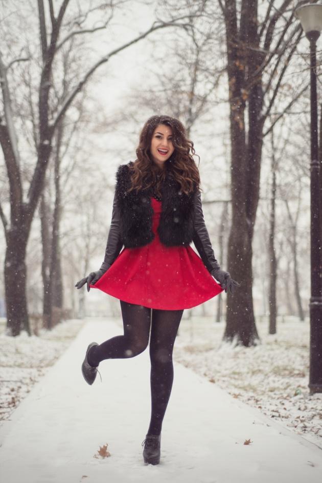 tinuta-valentines-day-rochie-rosie-geaca-din-blana-si-piele-iulia-andrei-fashion-blog-4