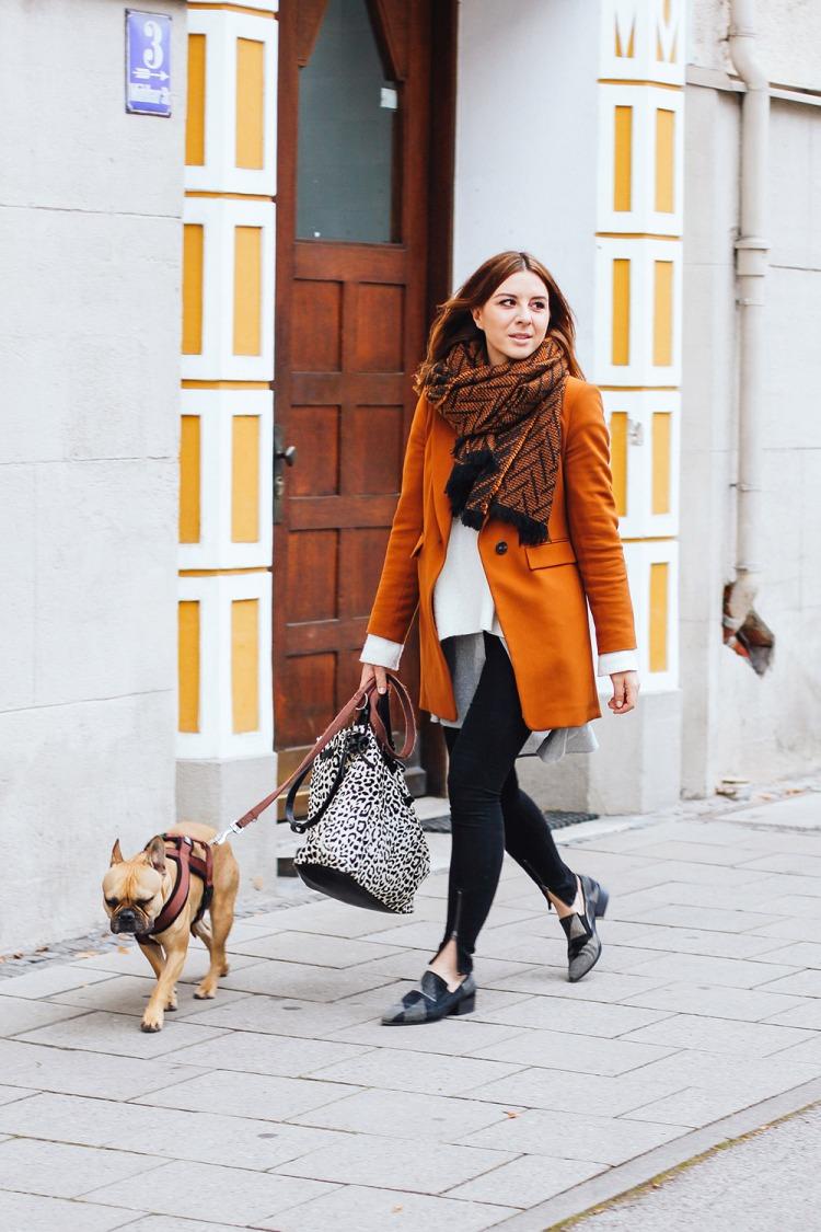 whoismocca-modeblogger-fashionblogger-cognac-blazer-zara-vic-matie-slipper-nieten-layering-lagenlook-muenchen-streetstyle-2
