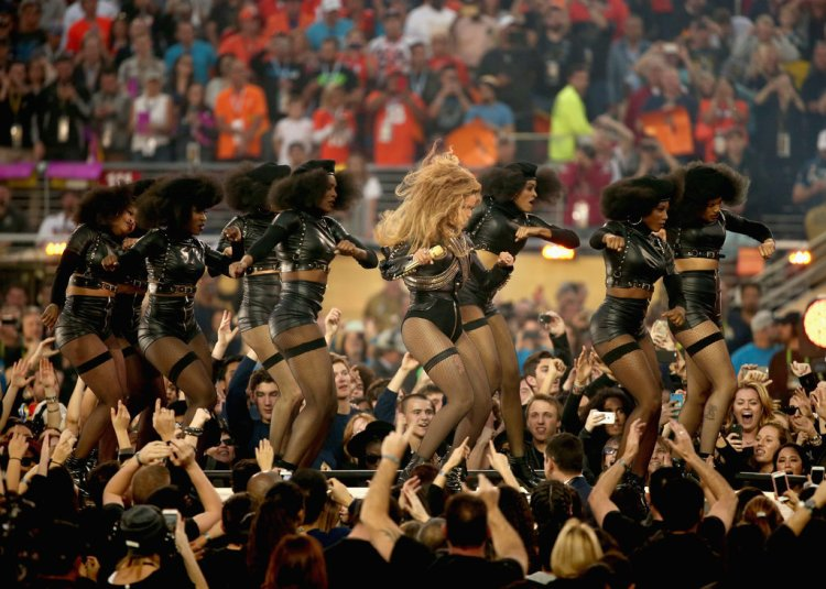 Beyonce-Super-Bowl-50-Pictures-4