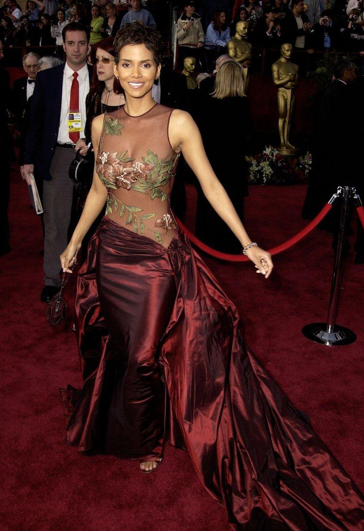 Halle-Berry-2002-Academy-Awards