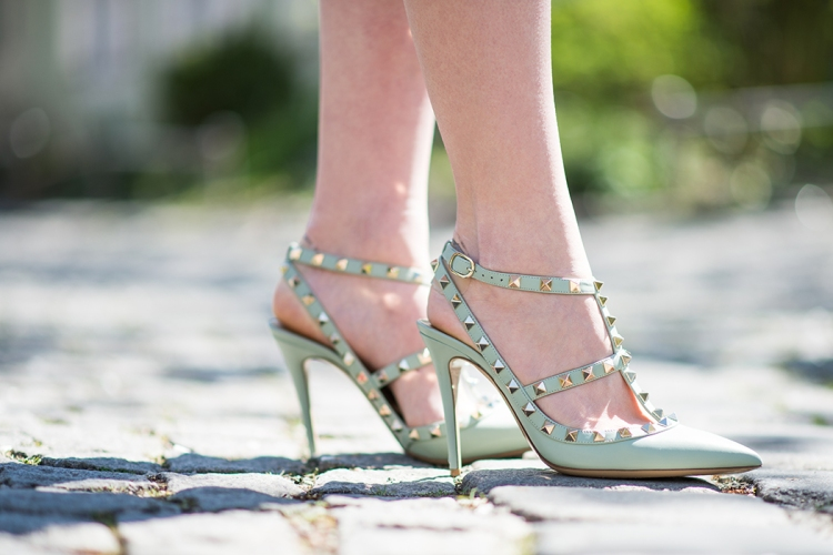 Fashionblog-München-Fashionblogger-Deutschland-Blog-Lindarella-Casual-Look-Valentino-Rockstuds-mint-Marc-Jacobs-Incognite-Bag-Dior-so-Real-Sunglasses-Massimo-Dutti-Trenchcoat-Lindarella-4