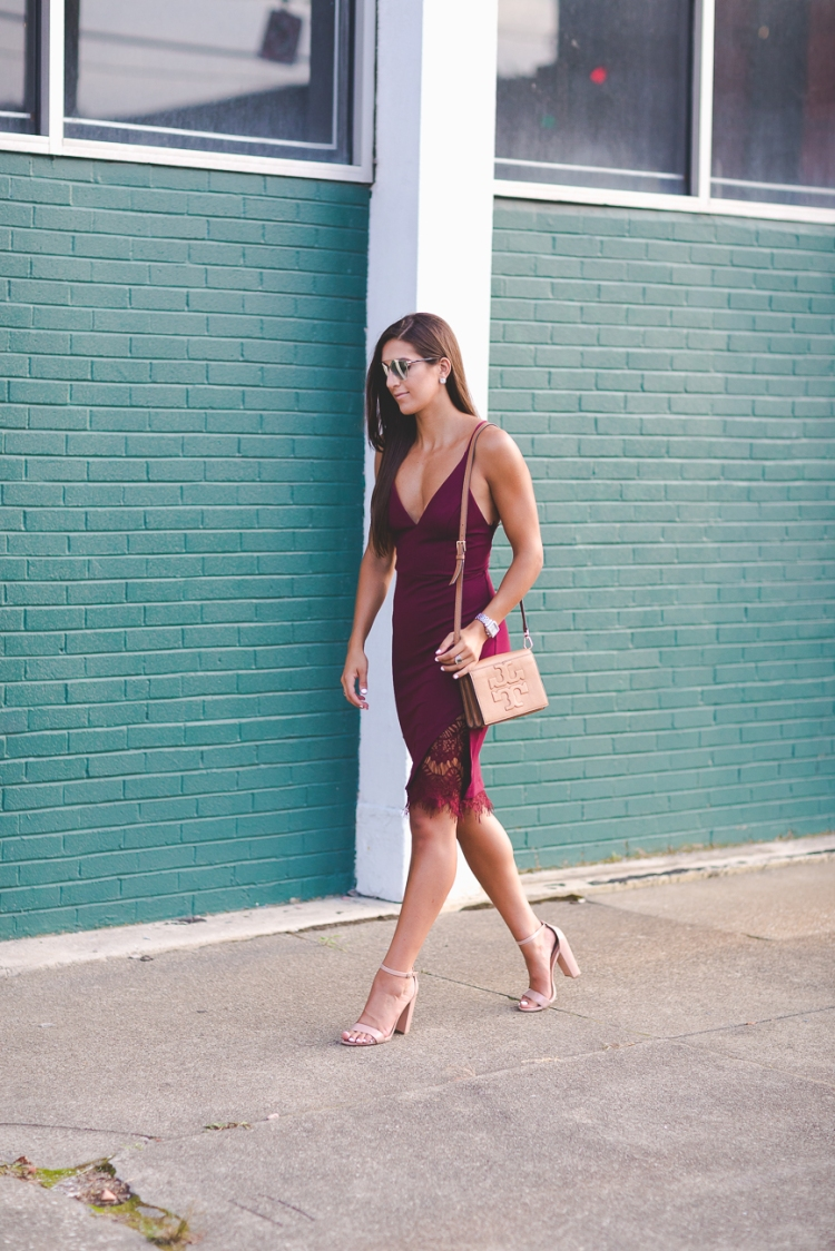burgundy-pencil-midi-dress-4