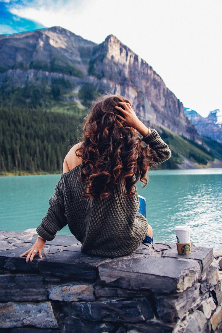 the sweetest thing blog, emily gemma, travel blogger, travel blog BANFF lake louise, Lake louise fairmont Chateau,  photos from Lake louise, where to stay banff, North face womens vest, Zella black leggings, Nike roshe shoes women blue-4