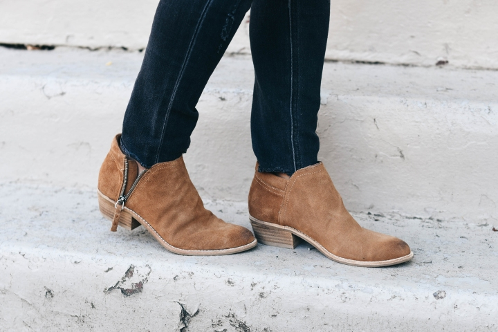 crystalin-marie-wearing-steve-madden-tobii-ankle-booties