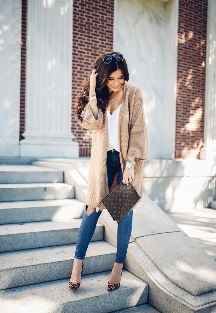 the-sweetest-thing-blog-emily-gemma-travel-blogger-pinterest-fall-fashion-pinterest-cute-fall-outfits-cardigan-and-heels-outfits-leopard-print-so-kate-lv-toiletry-26-2
