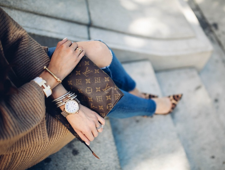 the-sweetest-thing-blog-emily-gemma-travel-blogger-pinterest-fall-fashion-pinterest-cute-fall-outfits-cardigan-and-heels-outfits-leopard-print-so-kate-lv-toiletry-26-7