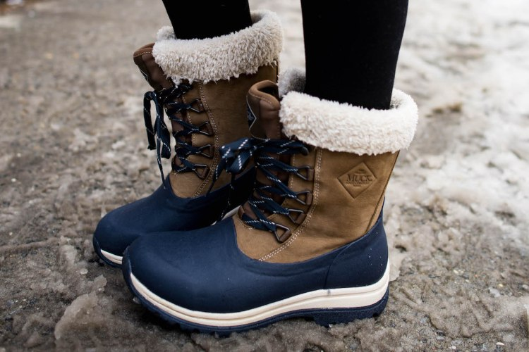muck-boots-lace-up-snow-boots